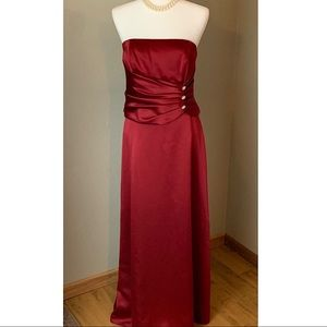 Dresses & Skirts - Ruby Red Two-Piece Formal Set, Size 9/10